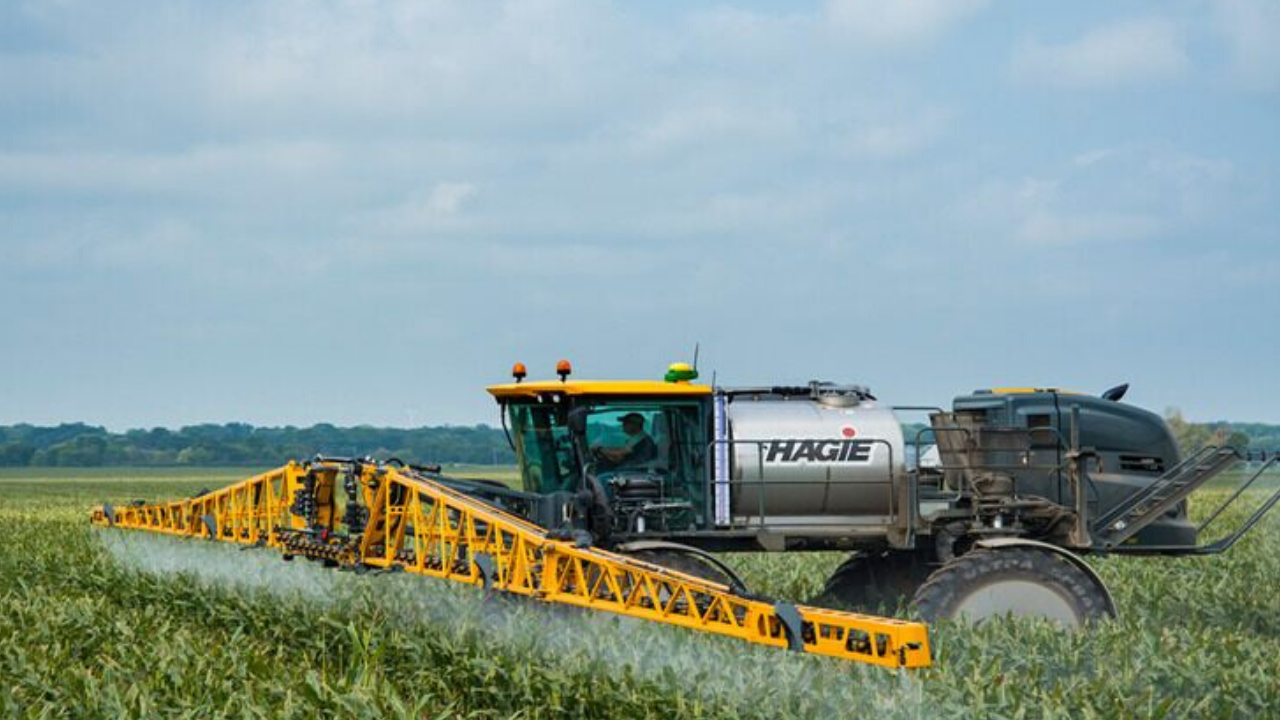 sts12-hagie-sprayer