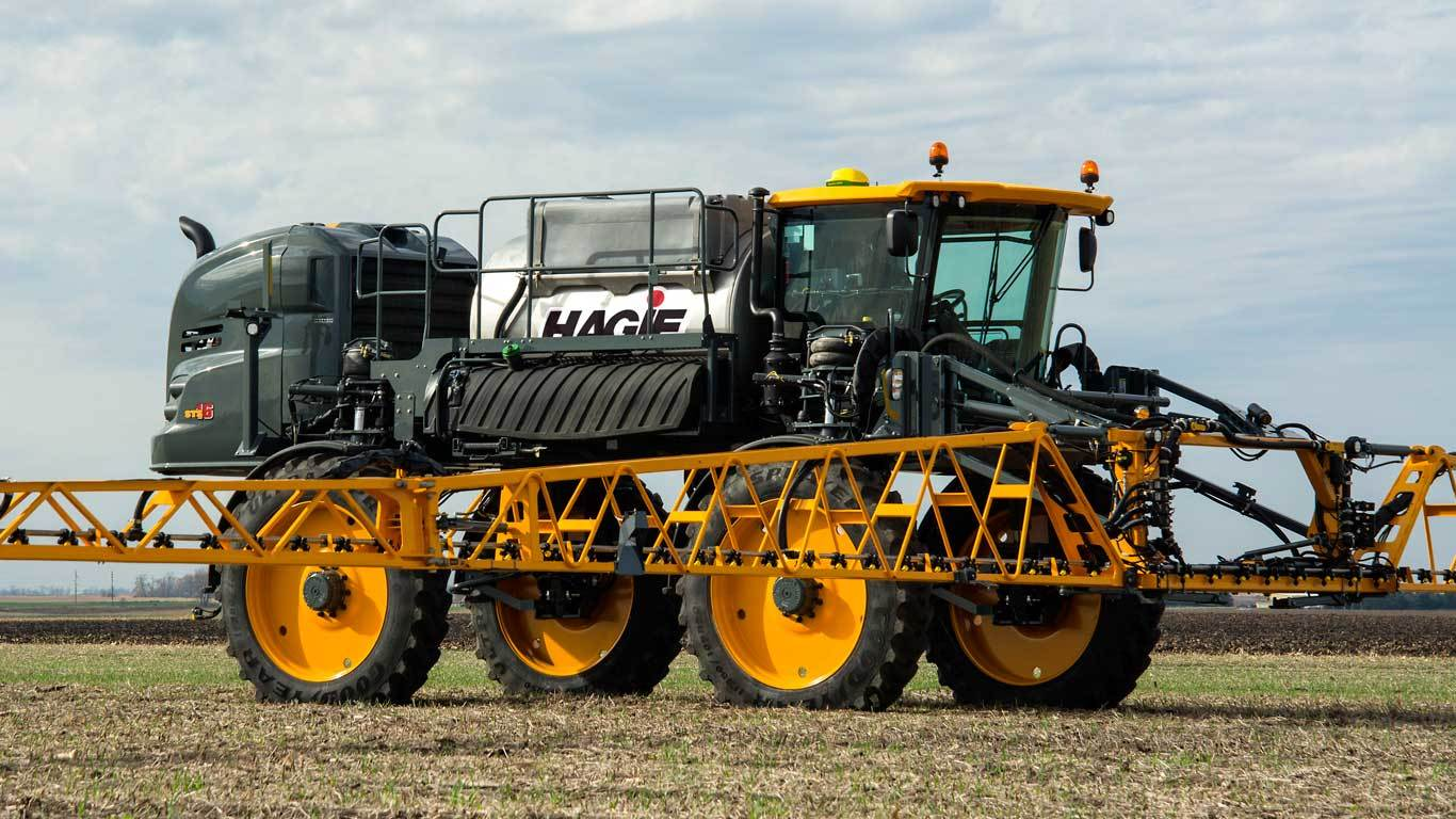 sts16-hagie-sprayer